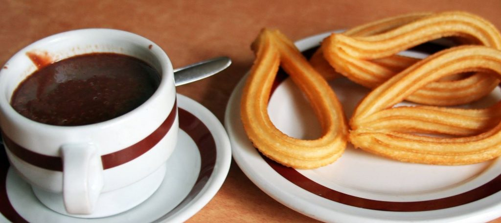 How to enjoy art and culture during covid. Chocolate con churros typical from Spain