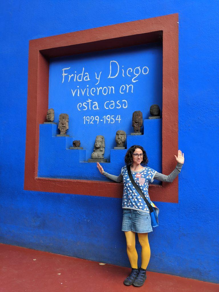 Foto en la casa de Frida y Diego en Coyoacán. How to enjoy art and culture during covid